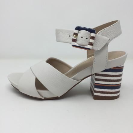 Capelli rossi sandalo incrociato in pelle tacco multi 8 e plateau