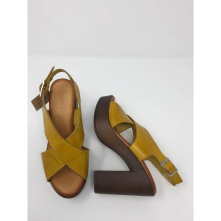 Sandalo incrociato pelle