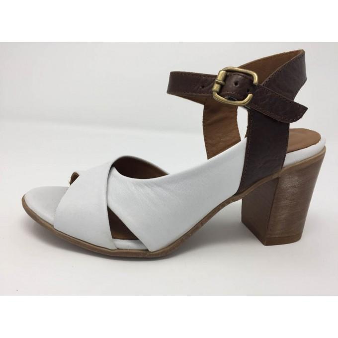 Sandalo Incrociato Tacco