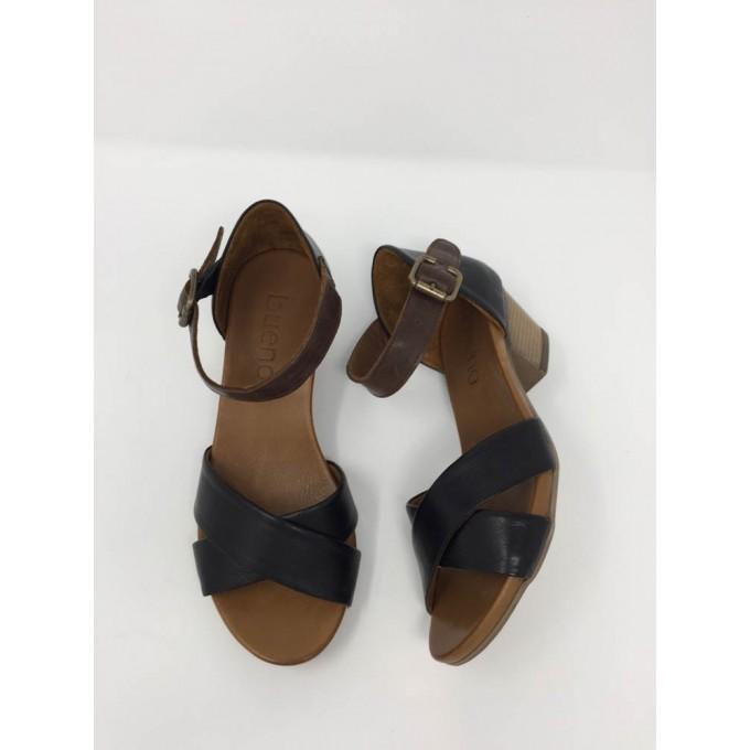 Sandalo Incrociato E Cinturino