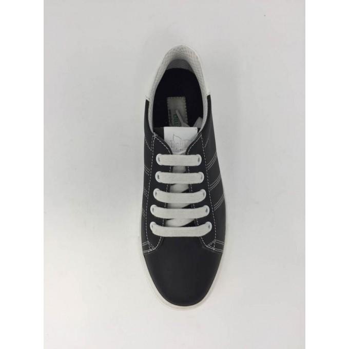 Sneakers Lacci